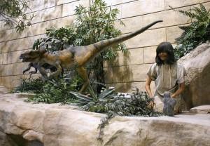 人間と恐竜.jpg